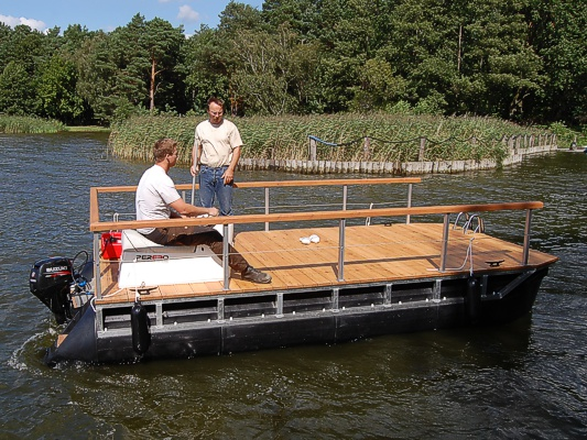 Perebo Pontoon Boats The Right Boat For Every Occasion