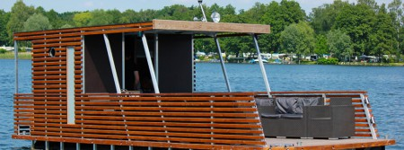 lounge raft