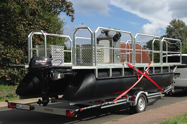 uniaxial-pontoon-boat-trailer