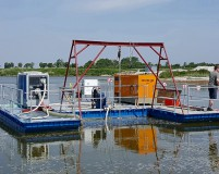 work pontoon with gantry crane