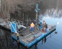 pontoon to ramming of piles