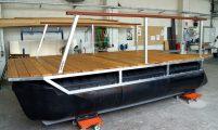 little pontoon leisure boat